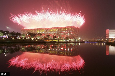 beijing-olympics-2-fireworks-light-up-the-birds-nest-stadium.jpg